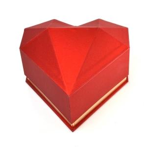 Cutie plastic inima diamant rosu